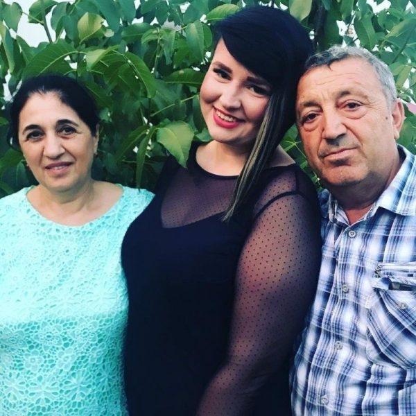 Саша Черно с мамой и папой Иосифа