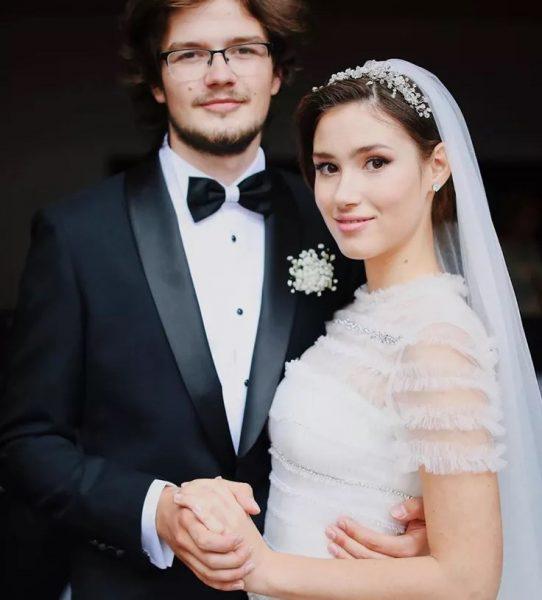 Дина Немцова училась с мужем в одном классе