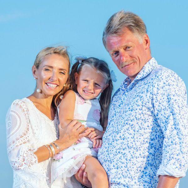 Татьяна Навка с мужем Дмитрием Песковым и дочкой Надей