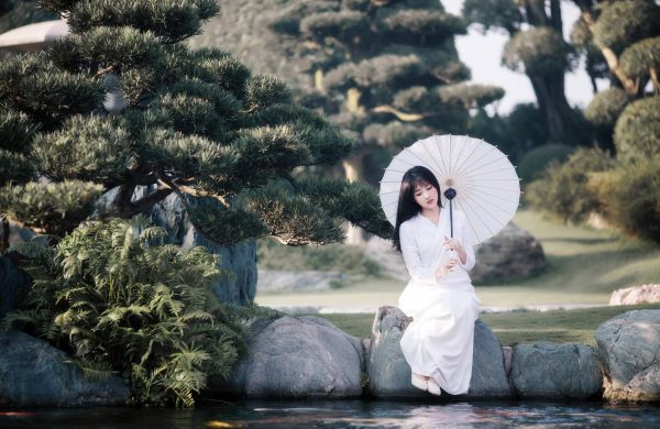 китаянка с зонтиком