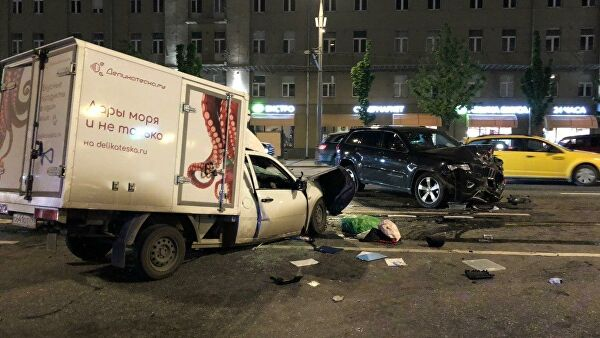 Фургон Сергея Захарова после ДТП