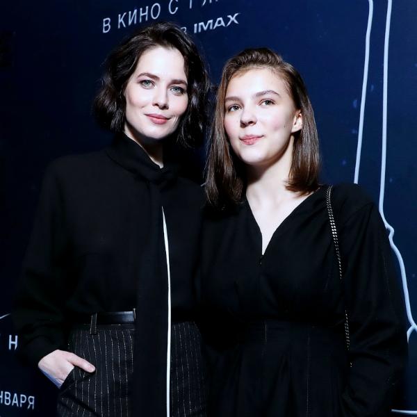 Юлия Снигирь и Полина Цыганова