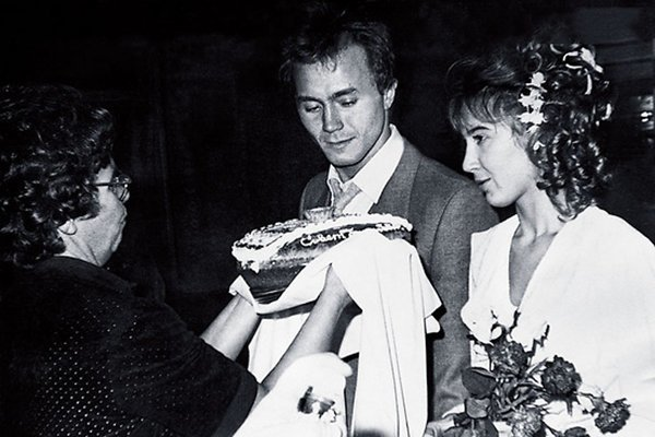 Архивные фото со свадеб звезд