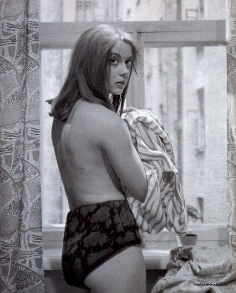 На фото полуголая Маргарита Терехова