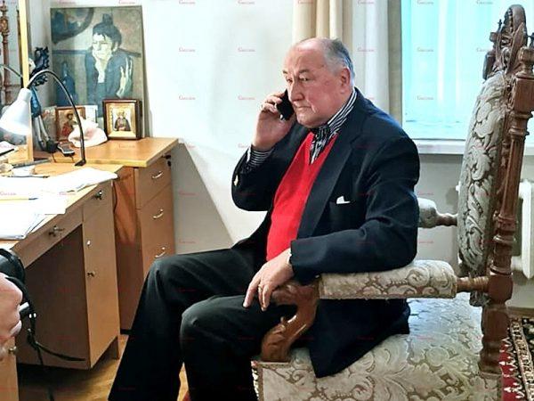 Борис Клюев в гримерке