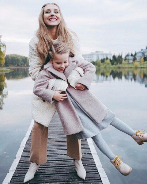 Кристина с дочкой Настей на причале