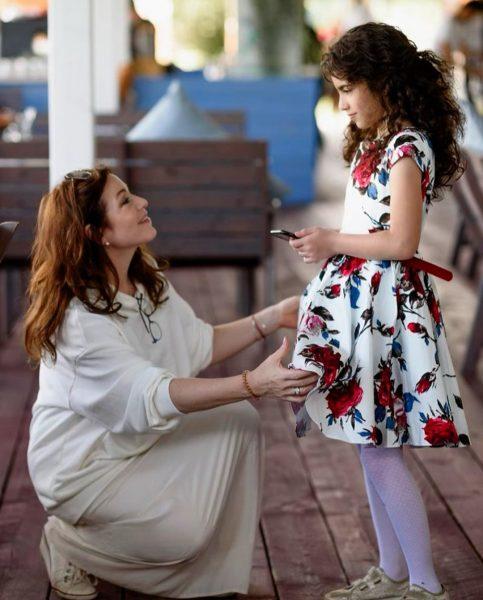 Алена Хмельницкая с младшей дочкой