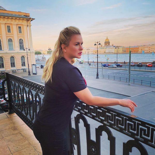Анна Семенович опровергла слухи о ее отношениях с Губерниевым