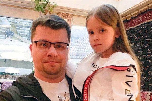 Бывший муж Асмус Гарик Харламов с дочкой Настей