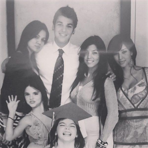 Ким Кардашьян с семьей