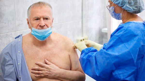 Жириновскому сделали прививку от коронавируса
