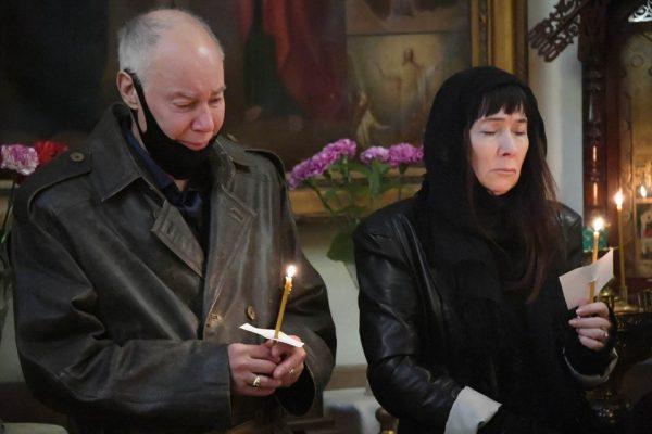 Владимир Конкин на похоронах дочери