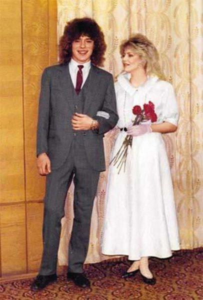 Женя Белоусов на собственной свадьбе