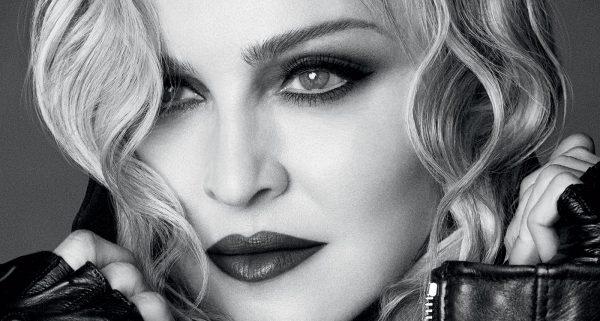 Мадонна, черно-белое фото