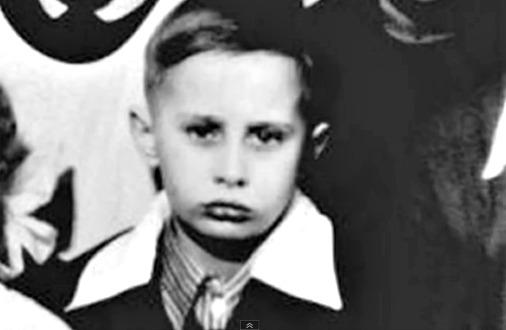 Школьная фотография Путина
