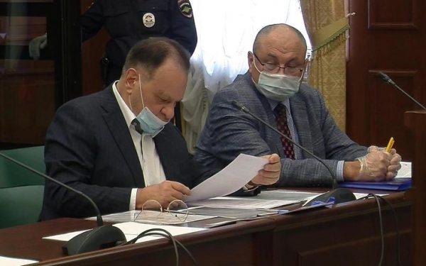 Адвокаты Ефремова Петр Хархорин и Владимир Васильев