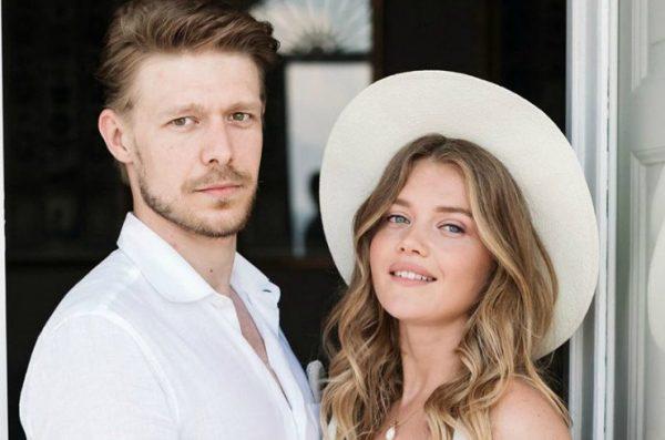 Никита Ефремов с возлюбленной Марией