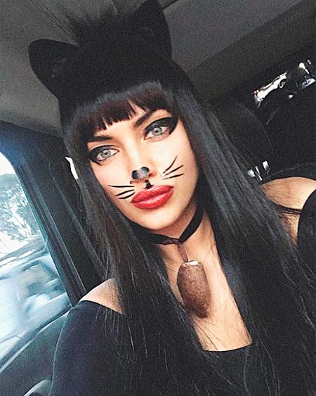 Женщина-кошка Ирина Шейк