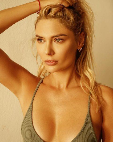 Самбурская стала блондинкой и попросила Наталью Рудову «подвинуться»