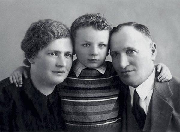 Михаил Жванецкий в детстве