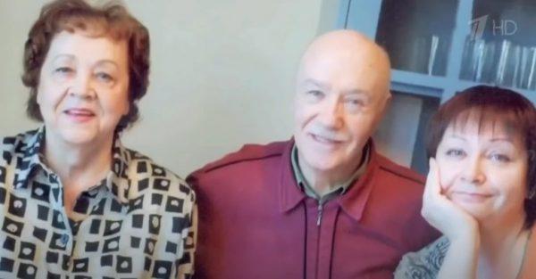 Леонид Куравлев с женой и дочкой