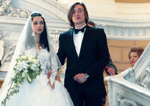 Певица Зара с первым мужем