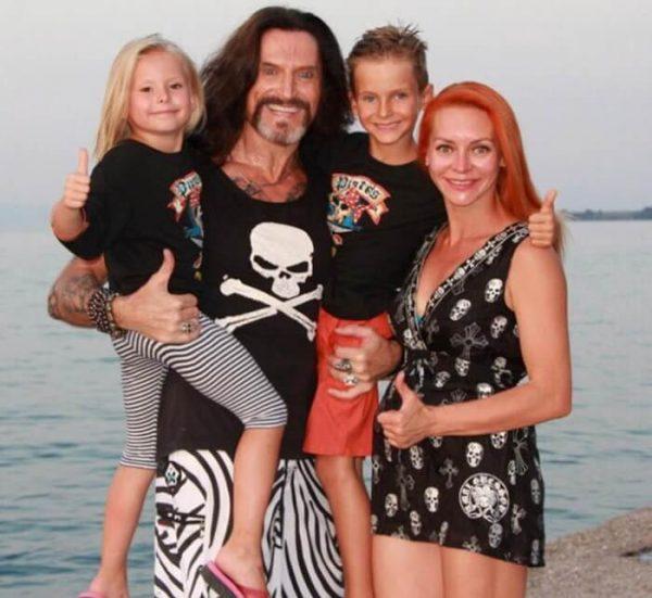 Никита Джигурда: семейное фото