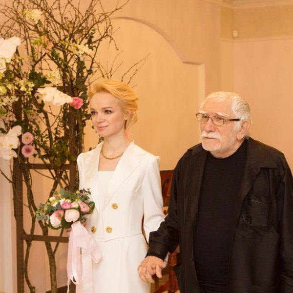 Армен Джигарханян с Виталиной Цимбалюк