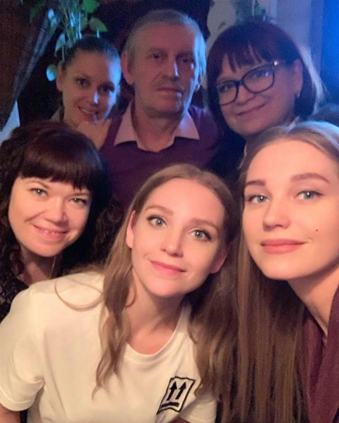 Асмус с семьей