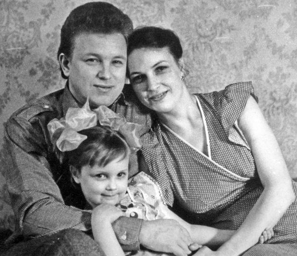 Евдокимов с женой Галиной и дочерью