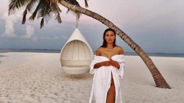 Виктория Боня на Мальдивах