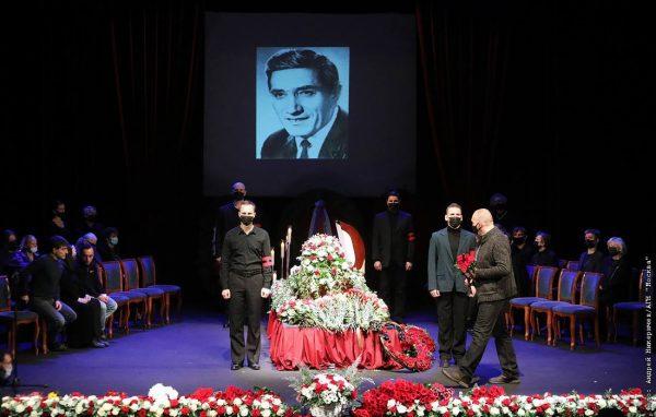 Церемония прощания с Арменом Джигарханяном