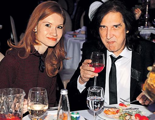 Кай Метов с девушкой Анастасией