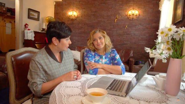 Наталья Барбье и Ирина Пегова, гостиная до ремонта