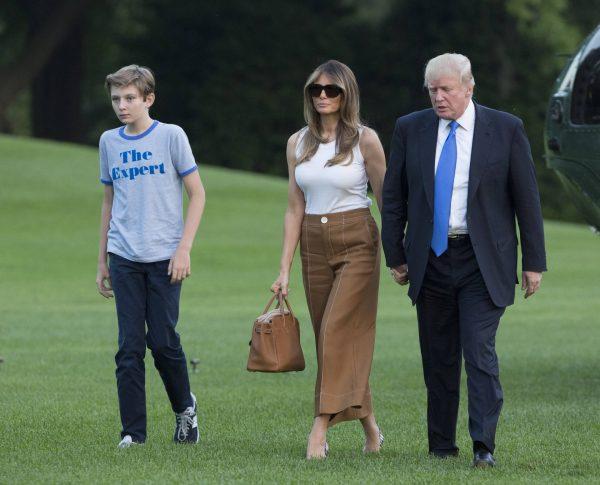 Дональд Трамп с женой и сыном