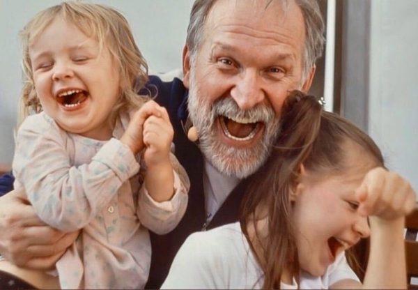 Федор Добронравов с внучками