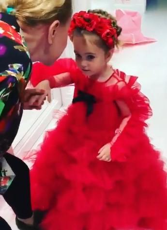 Любовь Успенская показала публике свою новую «дочь», будто заменив уже «не годную»