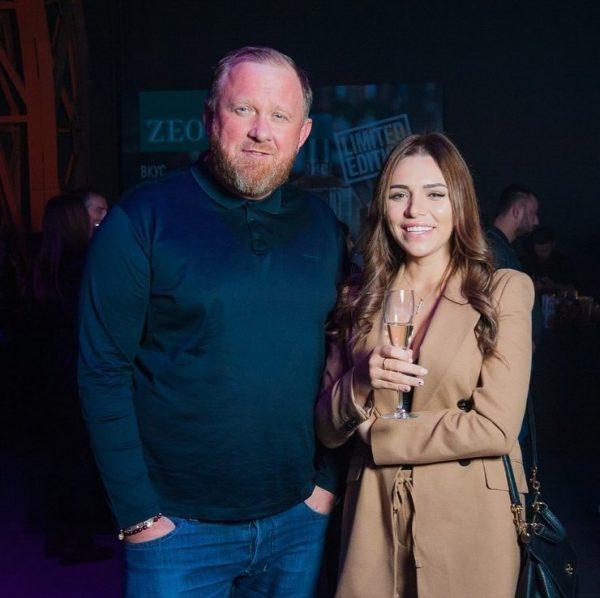 Телеведущий Константин Ивлев объяснил, почему ушел из семьи к студентке МГУ