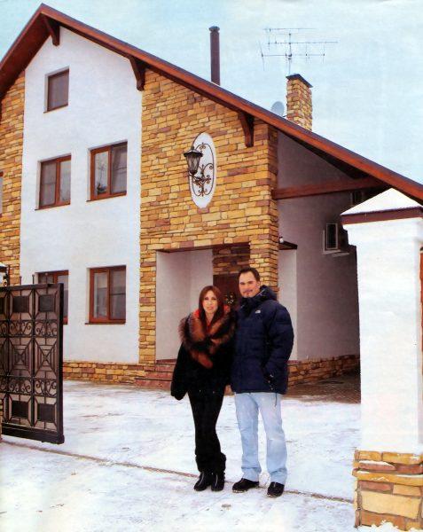 Валерий Меладзе около своего дома