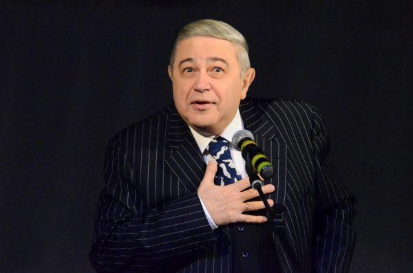 Евгений Петросян на сцене