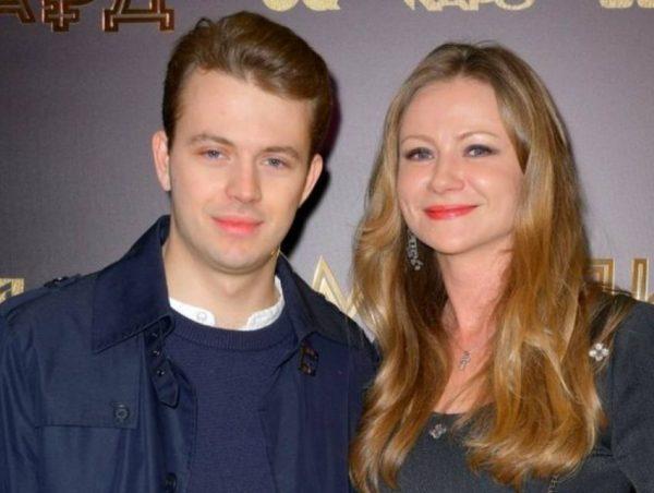 Мария Миронова с молодым мужем