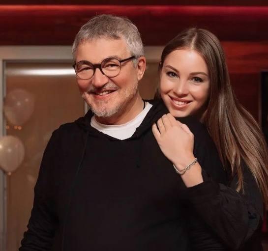 Дмитрий Дибров с женой Полиной