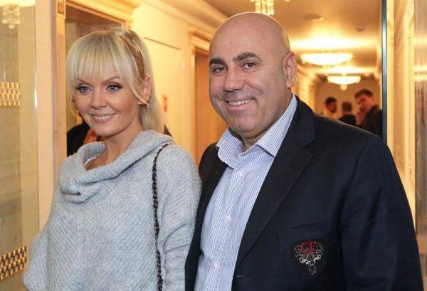 Валерия и Пригожин улыбаются