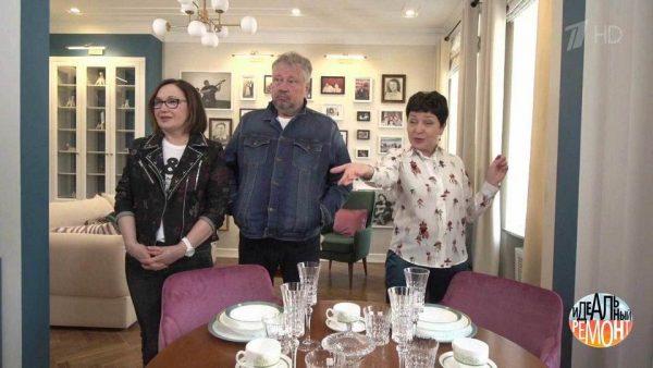 Сергей Степанченко с женой на новой кухне