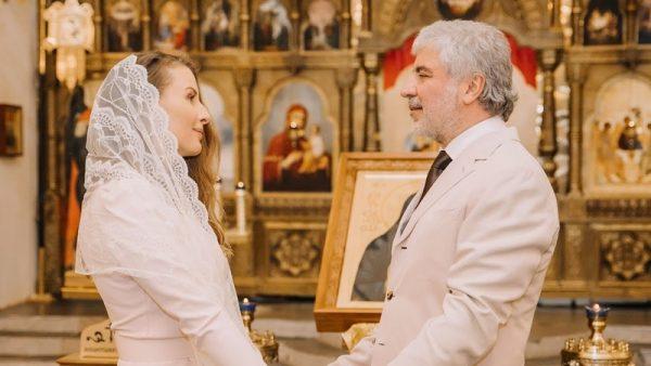 Сосо Павлиашвили с женой на венчании