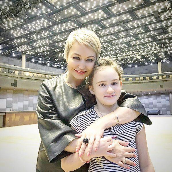 Катя Лель и Эмилия Кузнецова