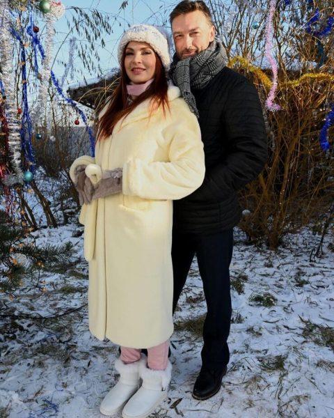 Эвелина Бледанс с мужчиной