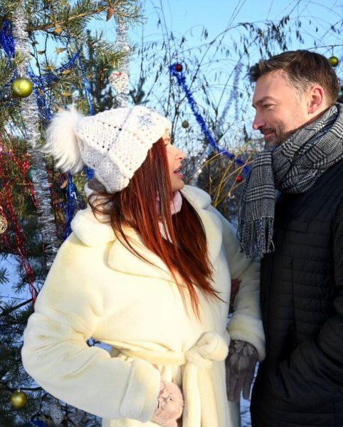Эвелина Бледанс с парнем