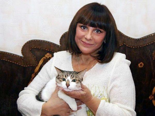 Наталья Варлей с котом
