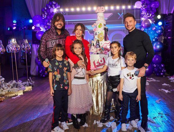 Филипп Киркоров и Сергей Лазарев со своими детьми,
